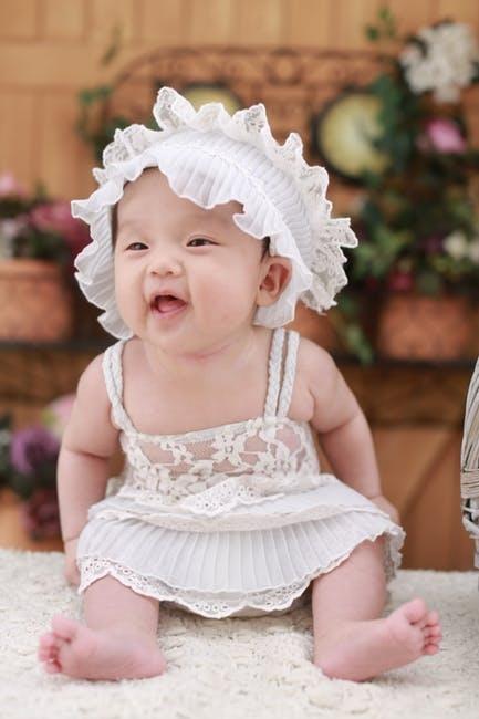 婴儿总摇头是怎么回事婴儿总摇头怎么解决