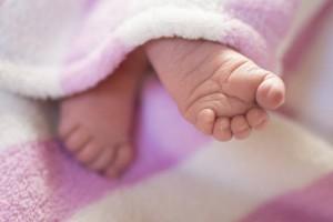 宝宝最近总是睡觉脚涼是怎么回事呢宝宝睡觉脚涼怎么办